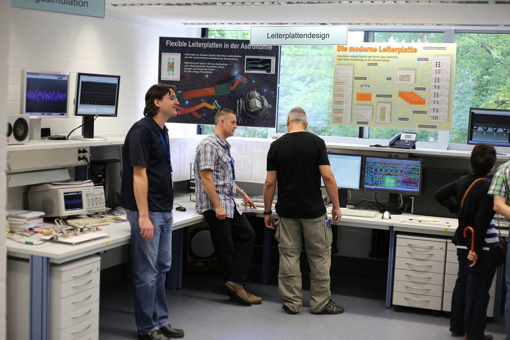 The Open Day also allows visitors to take a peak into the laboratories and workshops - here: the electronics shop.