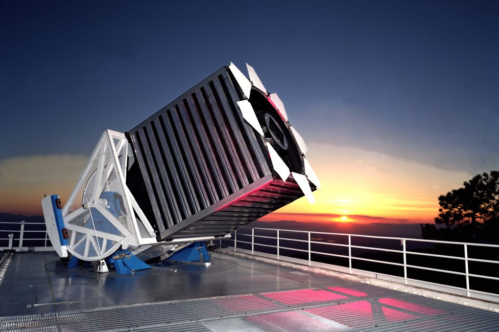 The Sloan Foundation 2.5-m Telescope located at Apache Point Observatory, south east New Mexico.