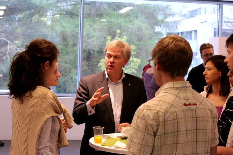 Nobel laureate Brian Schmidt (Physics 2011) gives career advice to MPIA students at an event organized for graduate students.